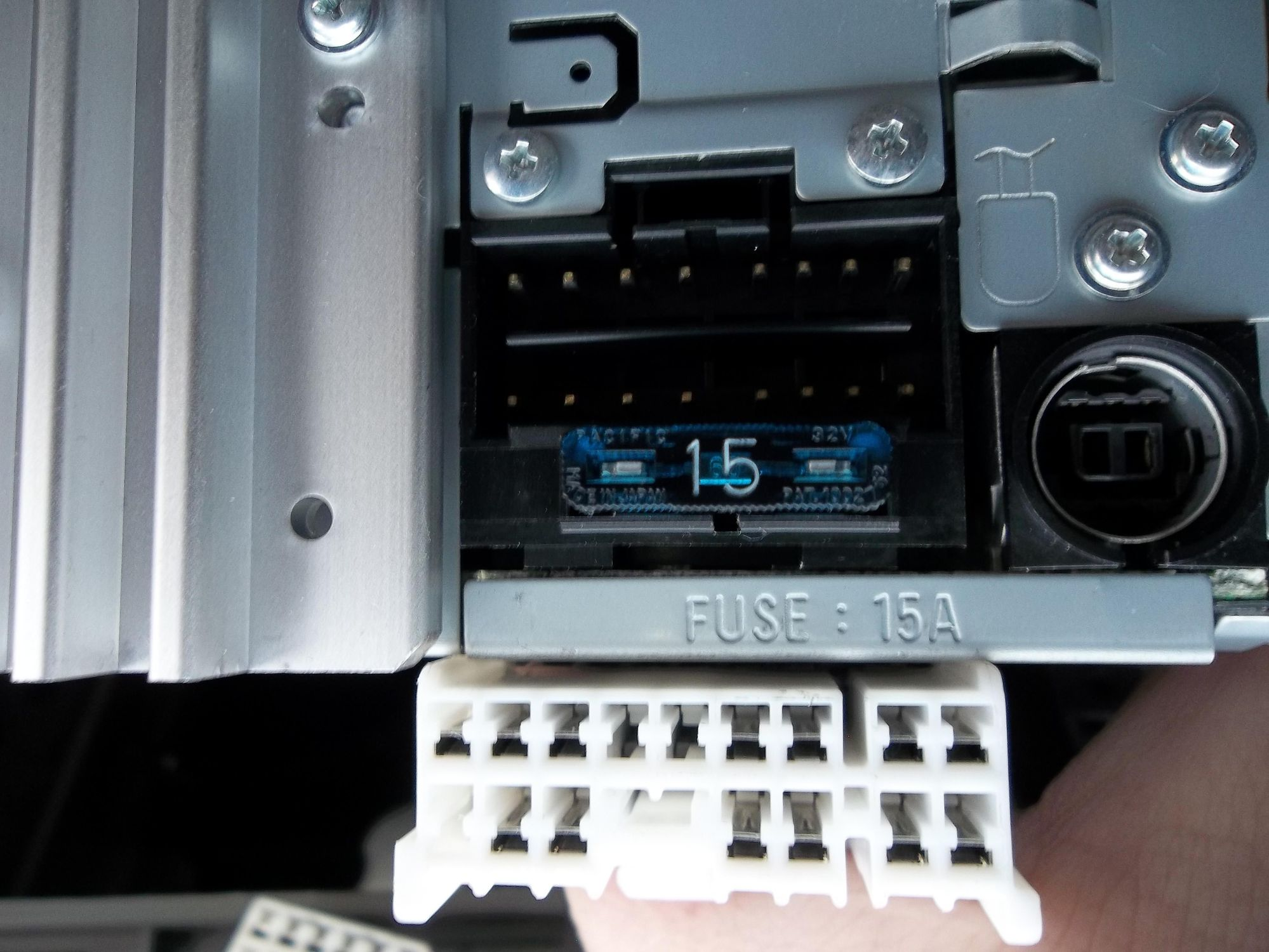 hight resolution of car stereo wiring options check the plugs