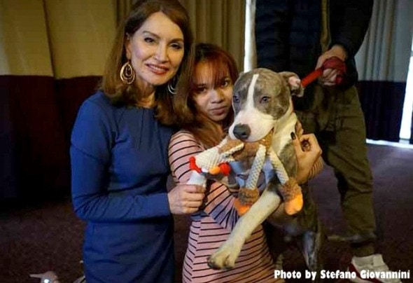 1-5-17-pit-bull-puppy-who-stopped-rape-is-honored4
