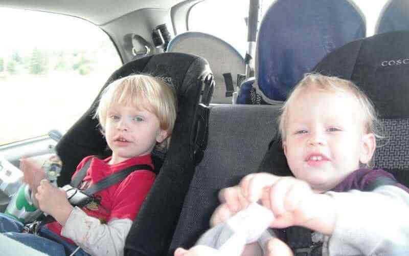 leave kids alone in car
