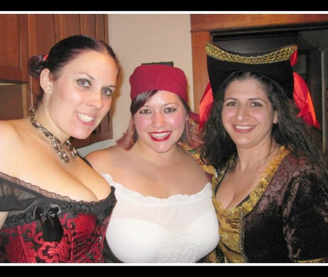 Pirate_party_girls_