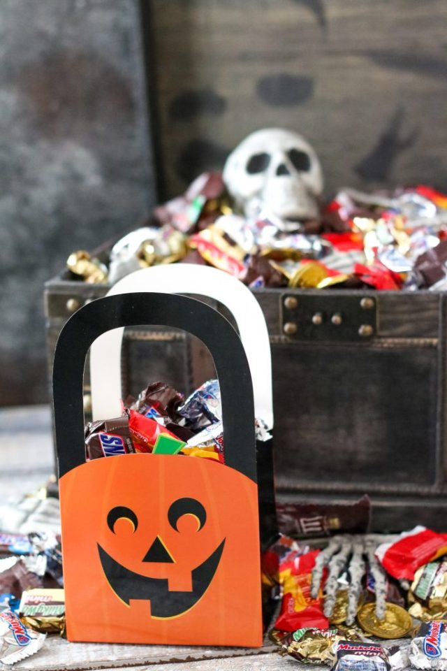 Bag of spooky treats (1 of 1)