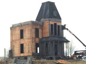 Aldergrove said goodbye to its spooky piece of Hollywood real estate this week as crew demolished The Bates Motel set. The fifth and final season of the A&E adaptation of the Alfred Hitchcock classic Psycho has finished filming, so replica house and motel have been torn down. [PNG Merlin Archive]