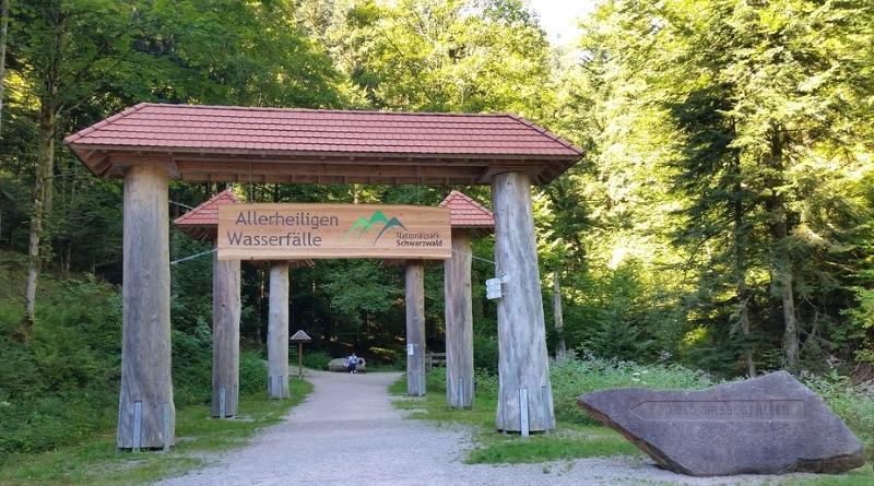 Cachoeiras e Ruínas do Mosteiro de Allerheiligen