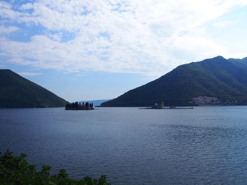 Perast Montenegro - Vista da ilha São Jorge e da ilha de Nossa Senhora das Pedras