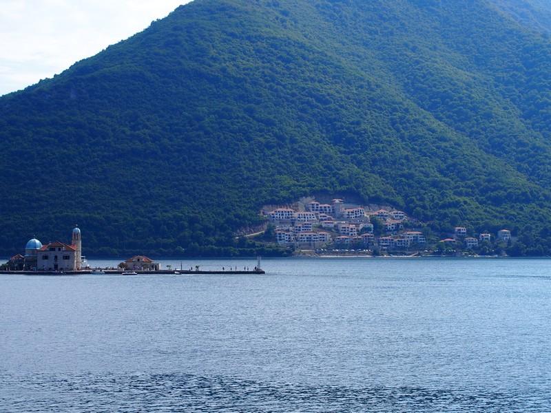 Perast Montenegro - Vista da ilha de Nossa Senhora das Pedras