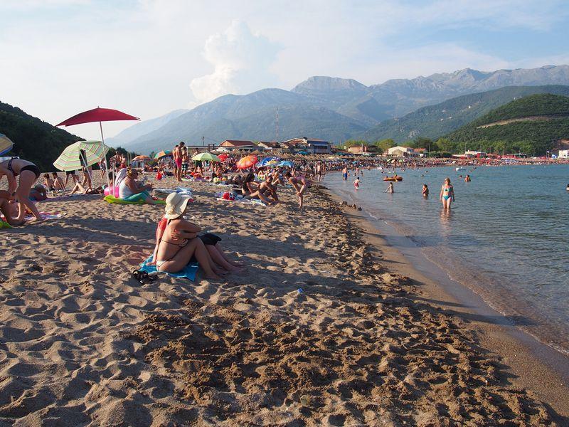 Budva Montenegro - Curtindo a Jaz Beach, melhor praia de 2015 pela Lonely Planet