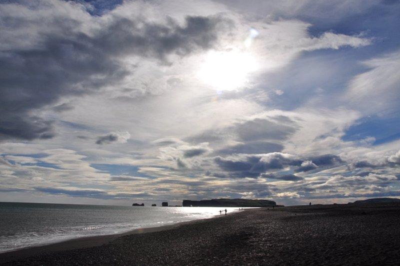 viagem islandia reynisfjara - vista linda da Kirkjufjara