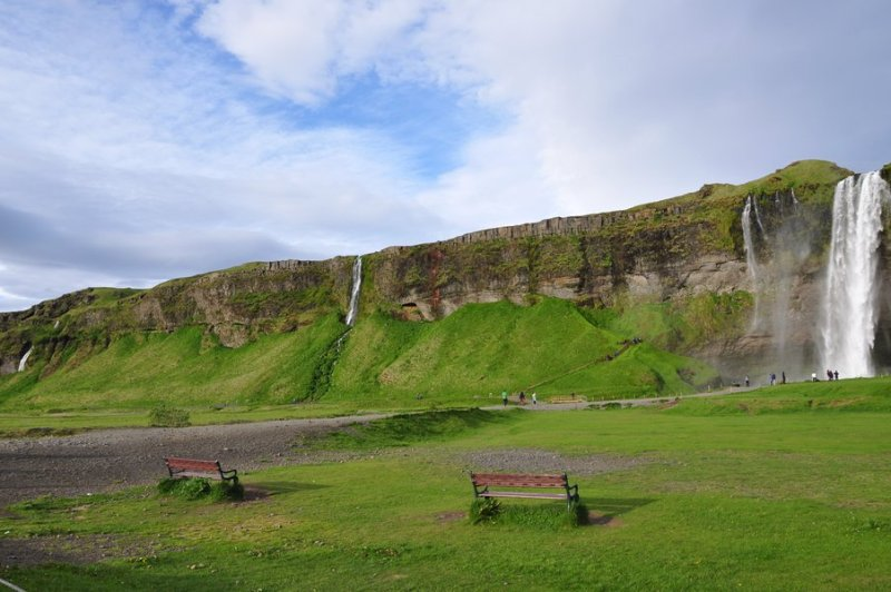 viagem islandia seljalandsfoss - parque com várias cachoeiras
