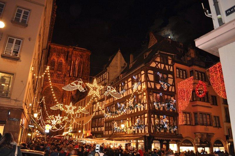Calendário de Mercados de Natal - Marché de Noël em Strasbourg na Região da Alsácia, França