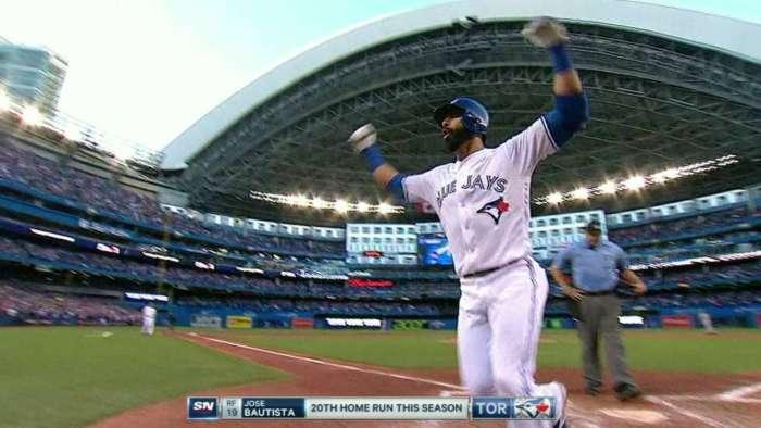 Jonrón de Bautista afianza a Toronto en el comodín y hunde a los Yankees