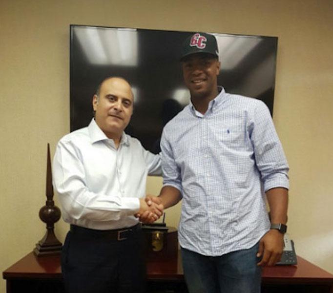 Eloy Jiménez visitó las oficinas de Los Gigantes