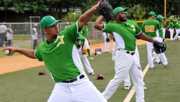 Estrellas contratan pitchers abridores Woodall y Fife