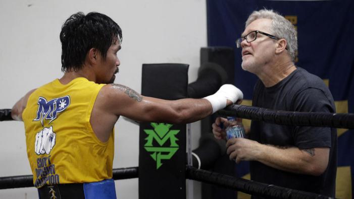 Freddie Roach ve cansado a Manny Pacquiao