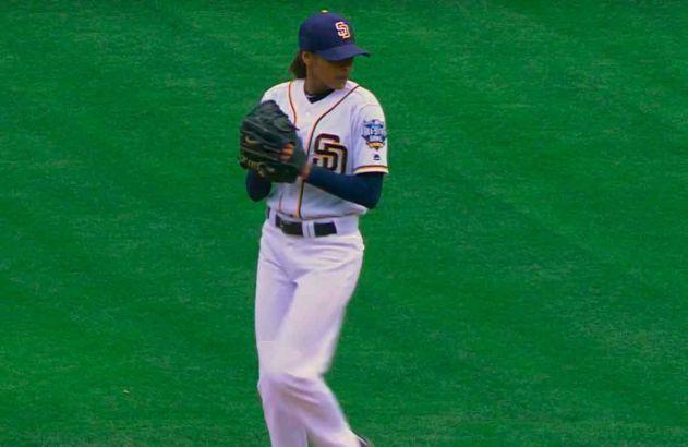 """Una mujer en las """"Grandes Ligas"""" ? con Los Padres De San Diego"""