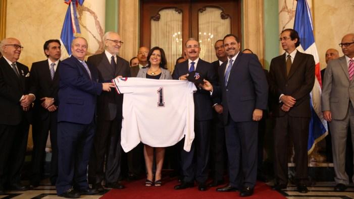 Presidente dominicano recibe a los Tigres del Licey