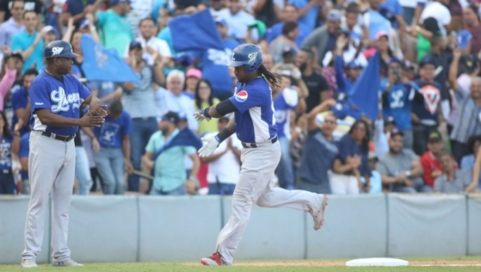 Hanley viajó a Boston a evento de Red Sox; cuando retorne se integraría al Licey