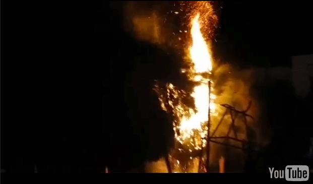(VÍDEO) Aguiluchos disgustado por derrota prenden fuego a árboles en parque