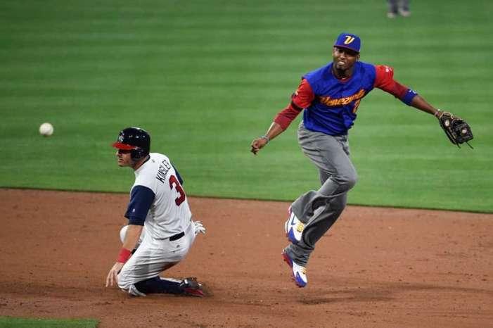 Estados Unidos remonta y vence a Venezuela en el Clásico Mundial de Beisbol