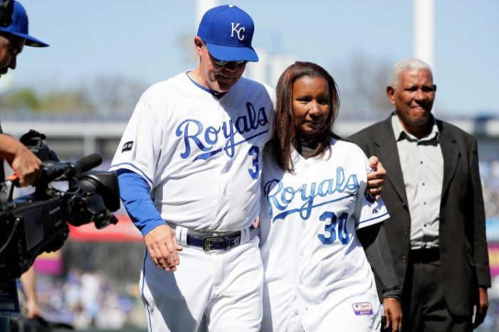 Yordano Ventura fue homenajeado por Kansas City (Foto + Video)