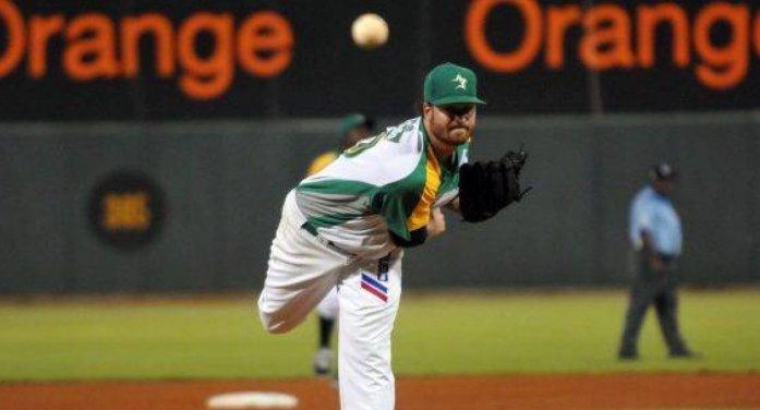 Las Estrellas Orientales anuncian al lanzador Scott Copeland