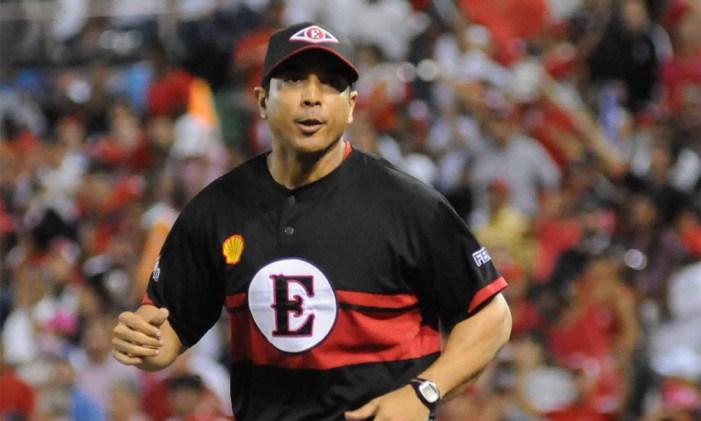 Luis Rojas, único dominicano al mando de un club