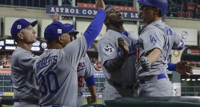 Dodgers ganan a los Astros y aseguran regreso de la Serie a Los Angeles