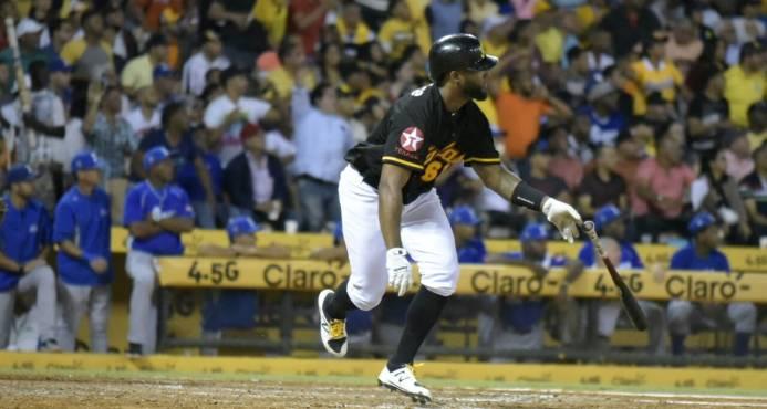 Santana, héroe de las Águilas; se empató el cuarto lugar