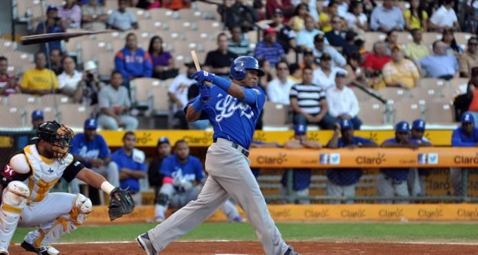 Fanáticos prefieren al Licey y Águilas en la final del béisbol dominicano