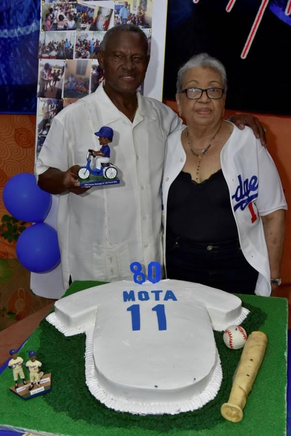 """El mensaje de Mota en su cumpleaños 80: ser humilde y no hacer """"lo que no nos gusta que nos hagan"""""""
