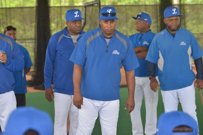 Offeman asistente manager, D'Angelo coach bateo Licey
