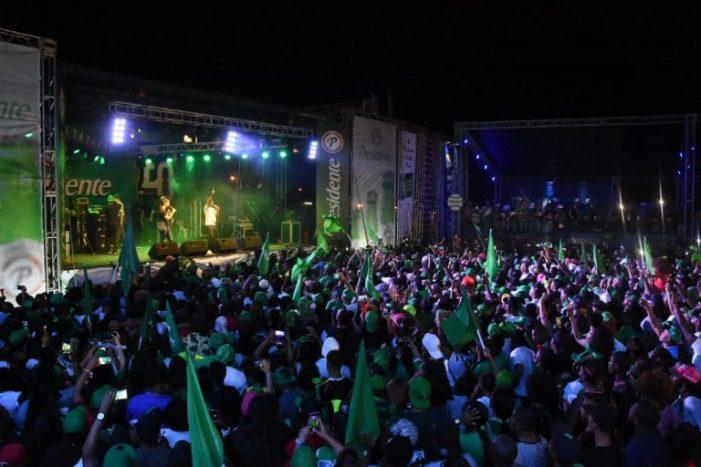 Estrellas hacen desfile y fiesta popular en San Pedro de Macorís.