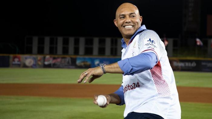 En su tierra, Mariano Rivera hizo el lanzamiento inaugural de la Serie del Caribe