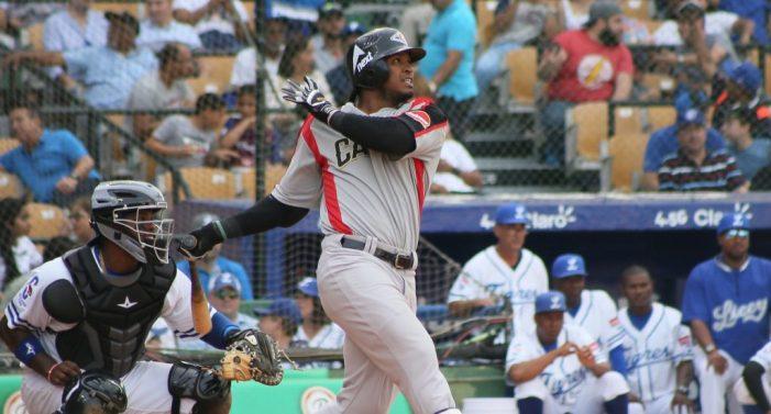 Leones vencen a Tigres en el primer partido del béisbol invernal