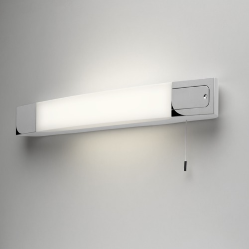 Wandlampe Bad mit Rasiersteckdose und Schalter