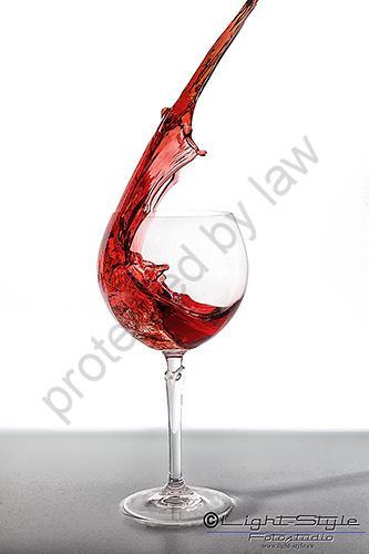 Weinglas 1 1 - Tricks ja - aber keine Photoshop Kreation - studio-infos, allgemein - Werbefotos, Produktfotos, hss, foodfotografie, Cocktails, Businessfotos