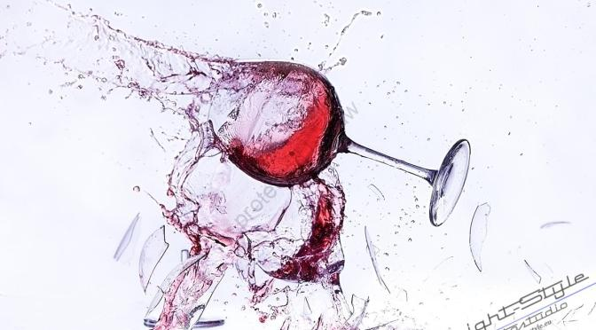 springendes Glas 17 - Scherben bringen Glück - Highspeedfotografie - werbefotos, produktfotos, fototips, alles, abseits-des-alltags - Werbefotos, Produktfotos, Highspeedfotografie, Die Geschichte hinter den Fotos, Businessfotos