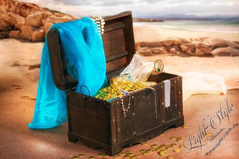Schatztruhe 13 1024x683 - Die Schatztruhe, oder die verdrehte (Märchen-)Welt des Fotografens ;-) - portraets, allgemein - Porträts, Kinderporträts, Kinder, Geschenke, Fasching