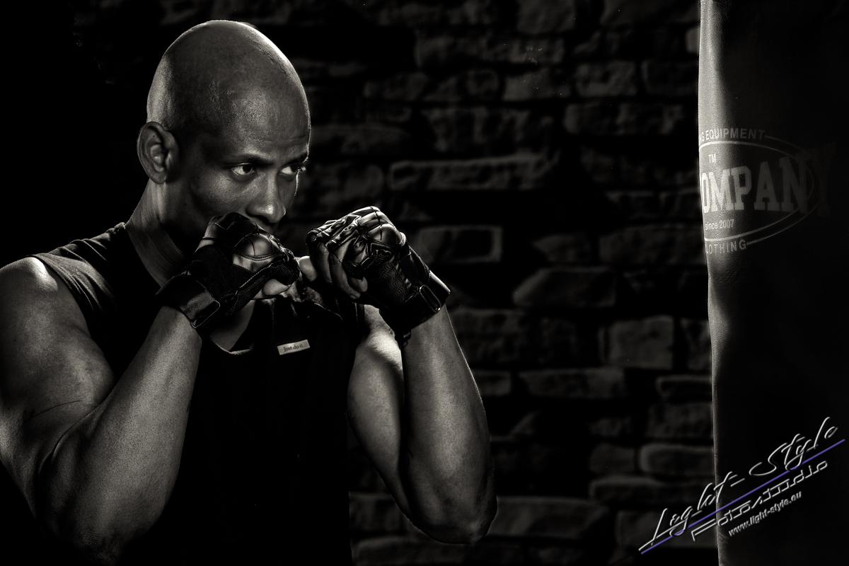 Sportlerfotos Boxen 1 - Nur Dein Geist ist Dein Limit - sportlerfotos, portraets, maenner, besondere-portraets - Sportlerfotos, Männerporträts, Männer, Boxen