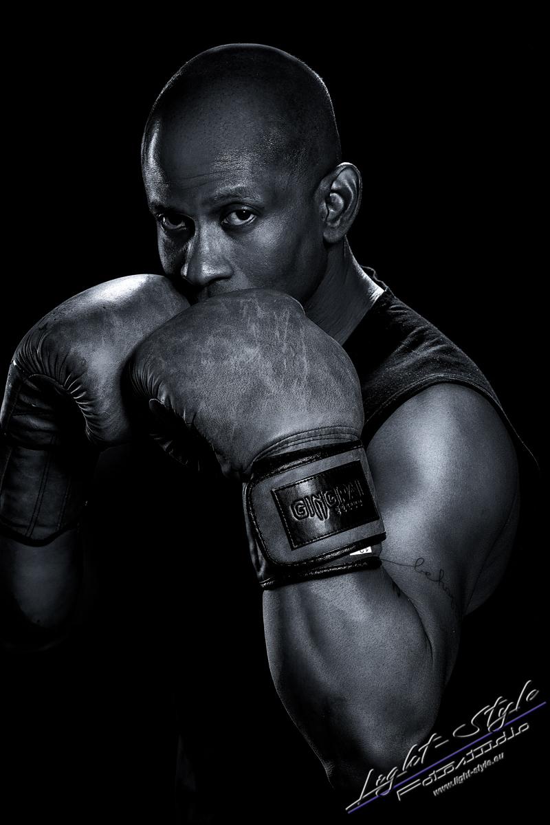 Sportlerfotos Boxen 11 - Nur Dein Geist ist Dein Limit - sportlerfotos, portraets, maenner, besondere-portraets - Sportlerfotos, Männerporträts, Männer, Boxen