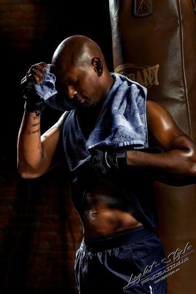 Sportlerfotos Boxen 14 - Nur Dein Geist ist Dein Limit - sportlerfotos, portraets, maenner, besondere-portraets - Sportlerfotos, Männerporträts, Männer, Boxen