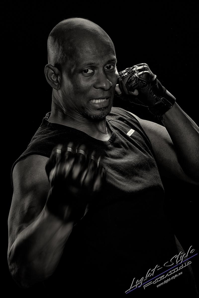 Sportlerfotos Boxen 5 - Nur Dein Geist ist Dein Limit - sportlerfotos, portraets, maenner, besondere-portraets - Sportlerfotos, Männerporträts, Männer, Boxen