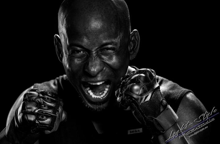 Sportlerfotos Boxen 8 - Nur Dein Geist ist Dein Limit - sportlerfotos, portraets, maenner, besondere-portraets - Sportlerfotos, Männerporträts, Männer, Boxen