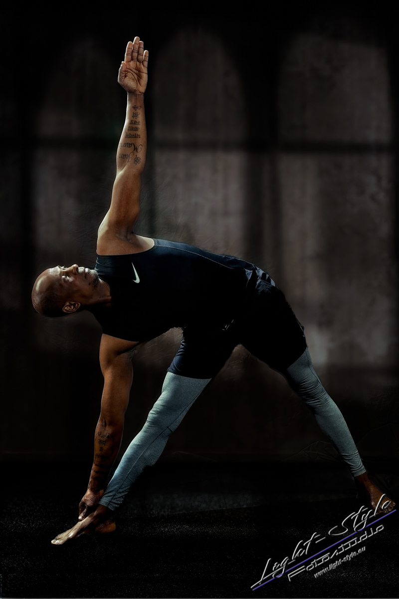 Sportlerfotos Yoga 1 - Nur Dein Geist ist Dein Limit - sportlerfotos, portraets, maenner, besondere-portraets - Sportlerfotos, Männerporträts, Männer, Boxen