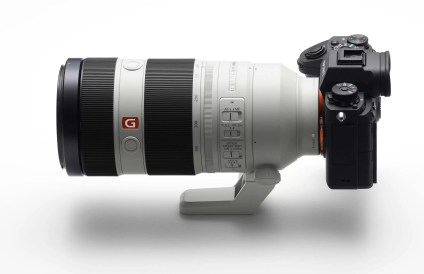 sony-a9-side-view-with-lens
