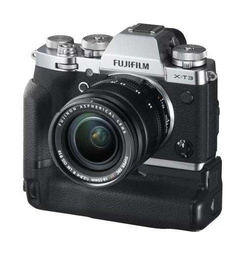 Fujifilm-X-T3_silver_with-grip