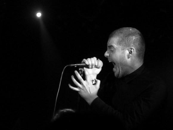 ג'ורג' קלארק מ-Deafheaven. צילום: Teresa Sedó