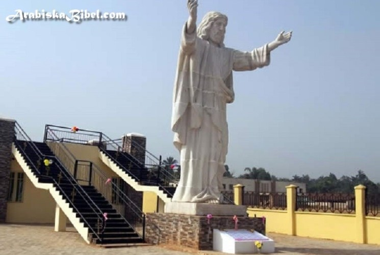 Watch Photos For Largest Statue of Jesus Christ in African