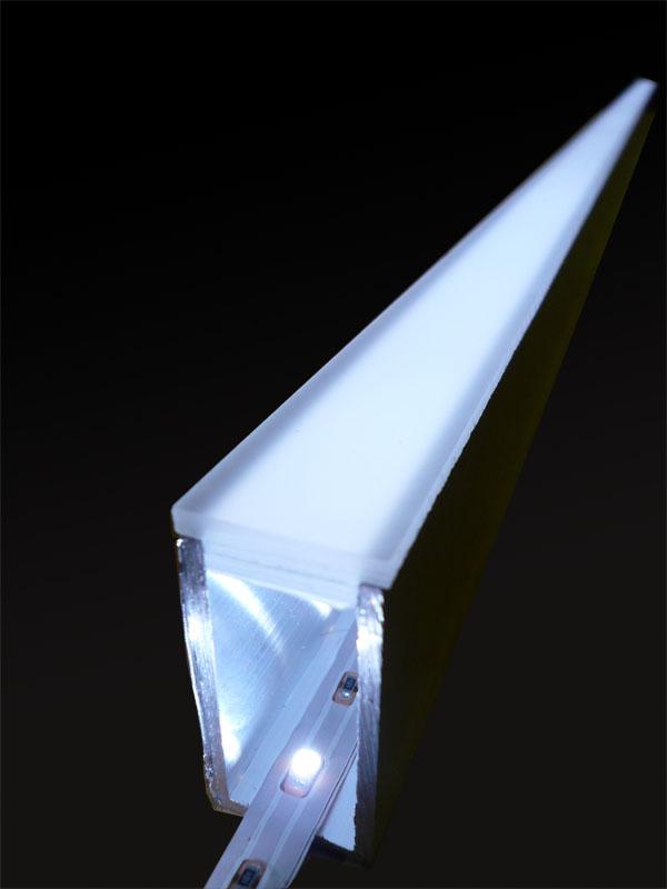 LEDLichtschienen fr Stufenbeleuchtung aus