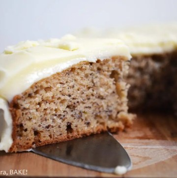 Banana Cake with Cream Cheese Icing. Moist, fluffy banana cake with a classic cream cheese icing. #bananacakerecipe #thebestbananacakerecipe #creamcheeseicingrecipe