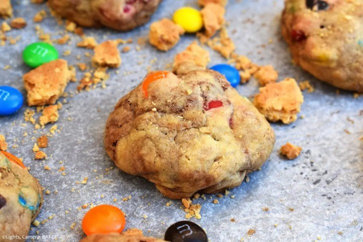 M&M Crunch Cookies are soft and chewy cookies filled with M&Ms, chocolate chips and crushed digestive biscuits for crunch and texture. #mandmcookies #mandmcrunchcookies #tehbestcookies #m&mcookies #m&mcrunchcookies